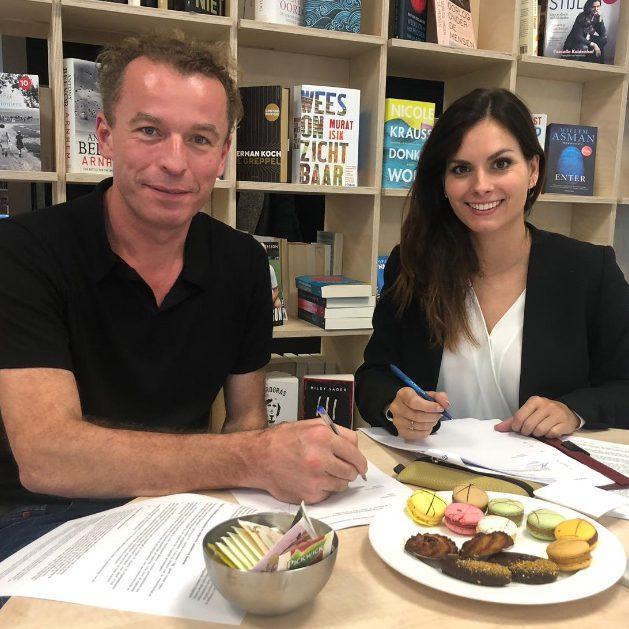 ondertekening contract Ambo Anthos